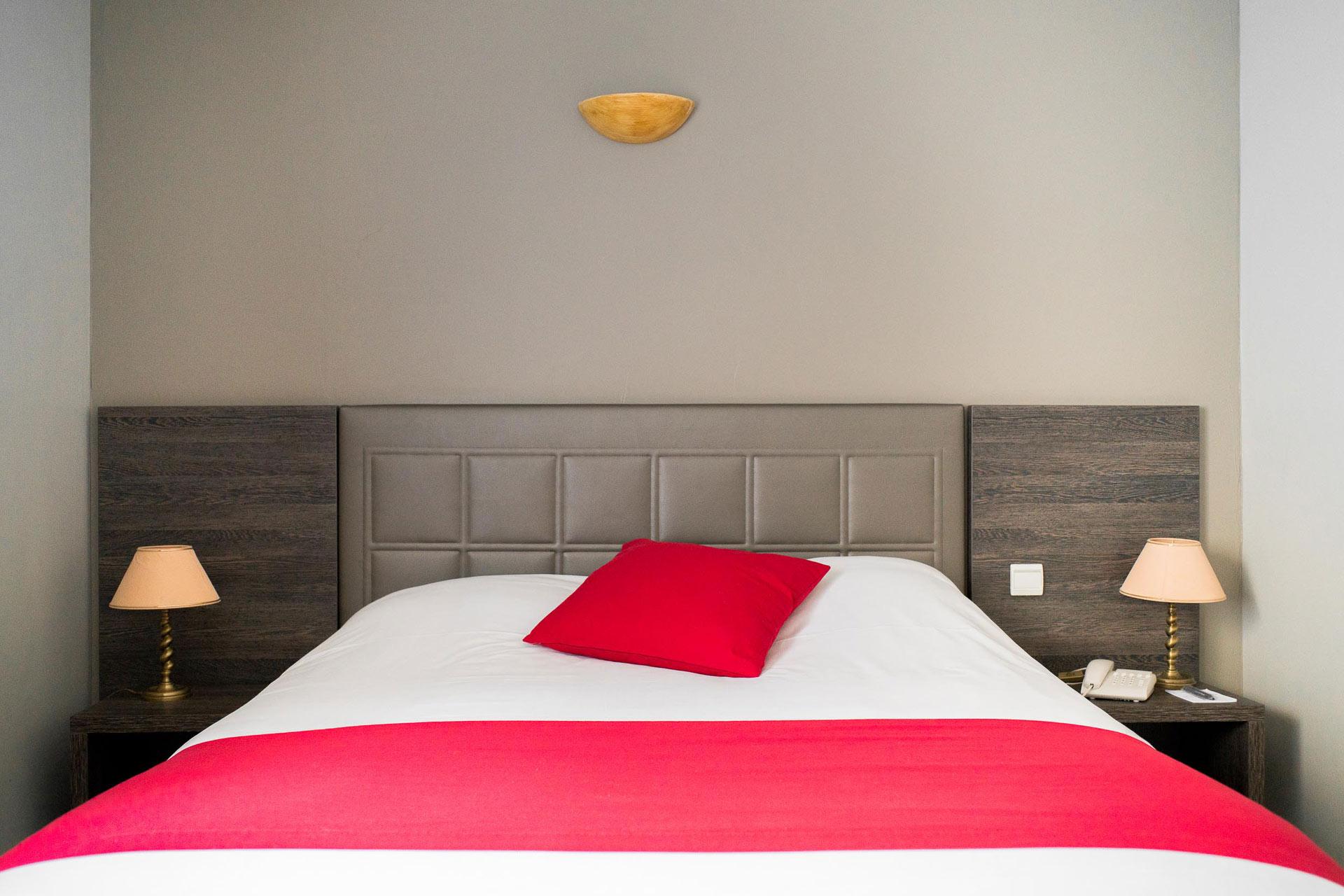 Hotel 3 étoiles avec piscine Ariane Istres