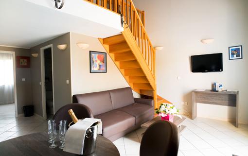 Hotel 3 étoiles avec piscine Ariane Istres SUITE