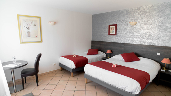 Hotel 3 étoiles avec piscine Ariane Istres chambre club